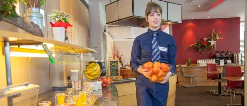 austria_st-christoph_chalet-hotel-st-christoph_chalet-hotel-staff-hosts.jpg